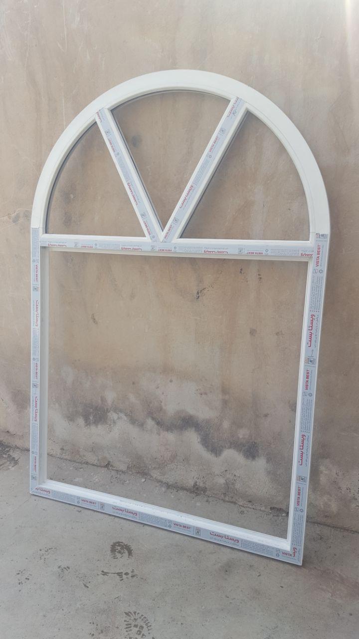 نمونه پنجره قوسی به همراه مولیون های پیوسته و زاویه دار