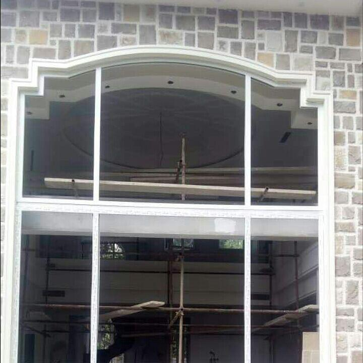 نمونه پنجره پلکانی قوسی